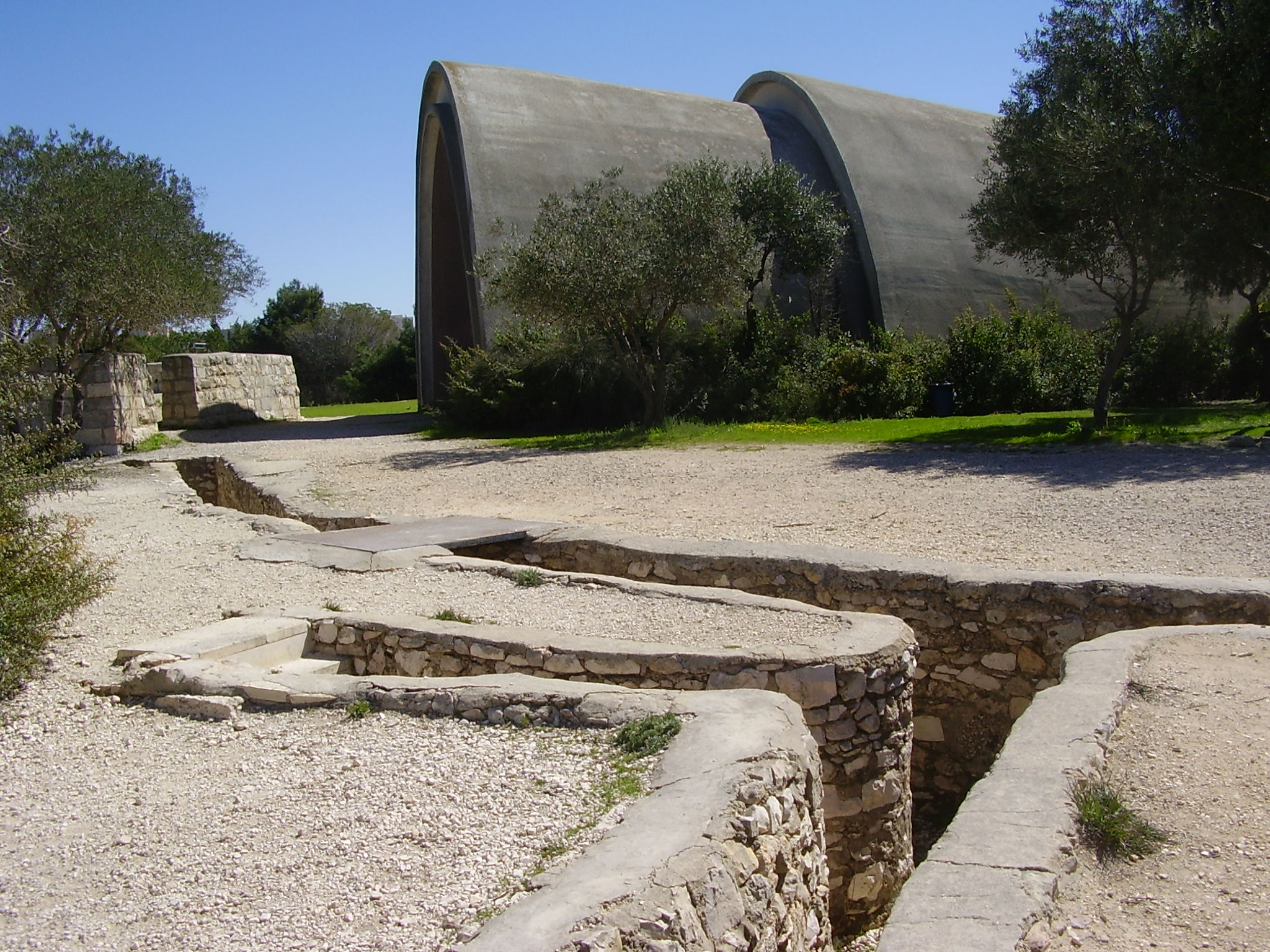 Click photo to download. Caption: Bunkers and trenches at Jerusalem's Ammunition Hill. Credit: PikiWiki Israel.