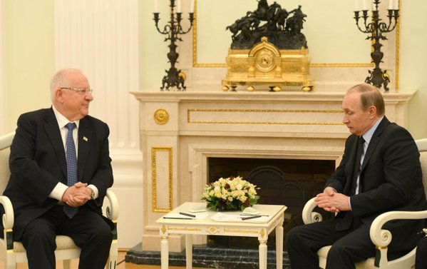 Click photo to download. Caption: Israeli President Reuven Rivlin meets with Russian President Vladimir Putin in Moscow. Credit: Israeli President's Office.