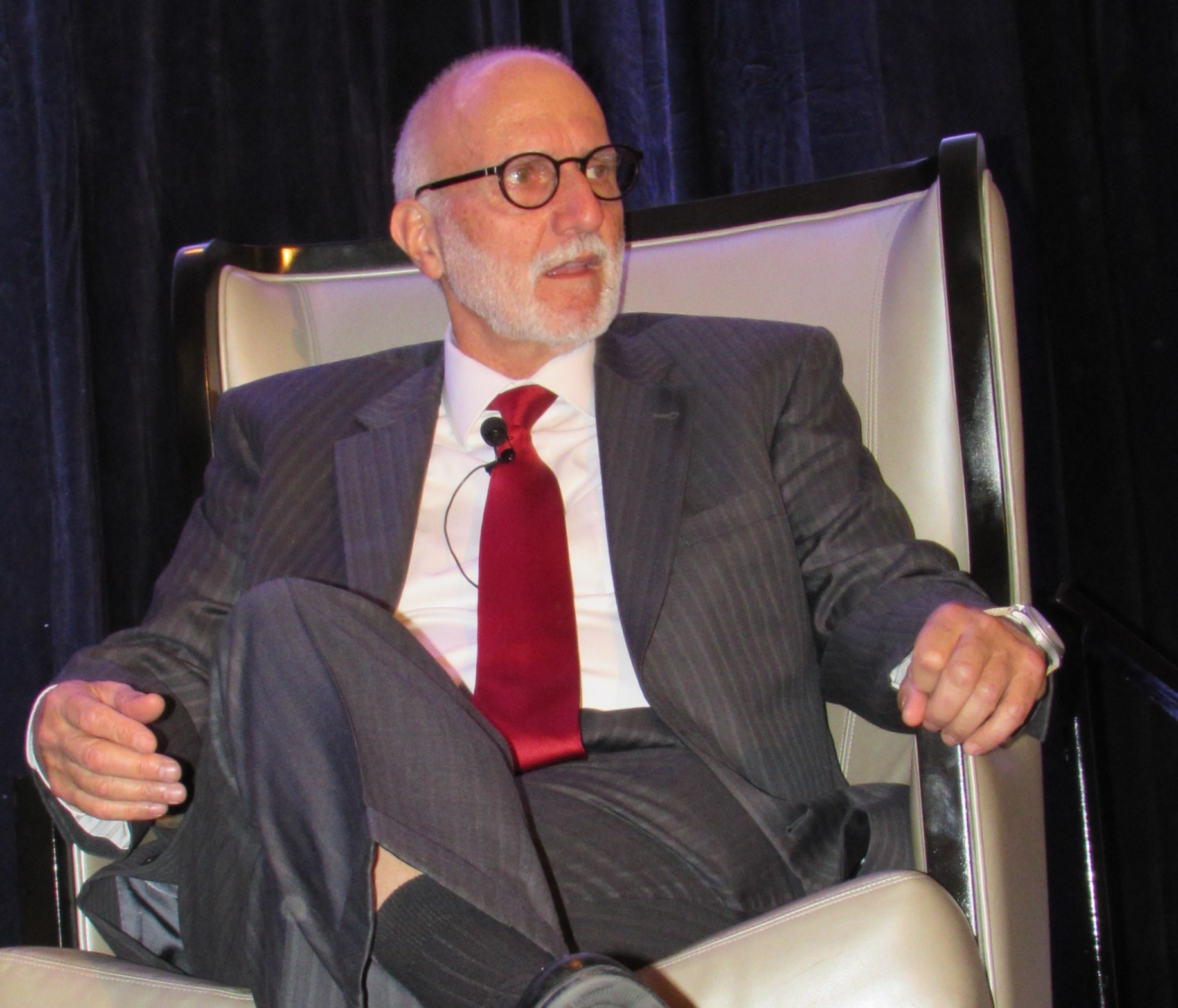 Click photo to download. Caption: Alan Gross speaks at the Jewish Federation of Greater Houston's Maimonides Society event on April 12. Credit: Jewish Federation of Greater Houston.