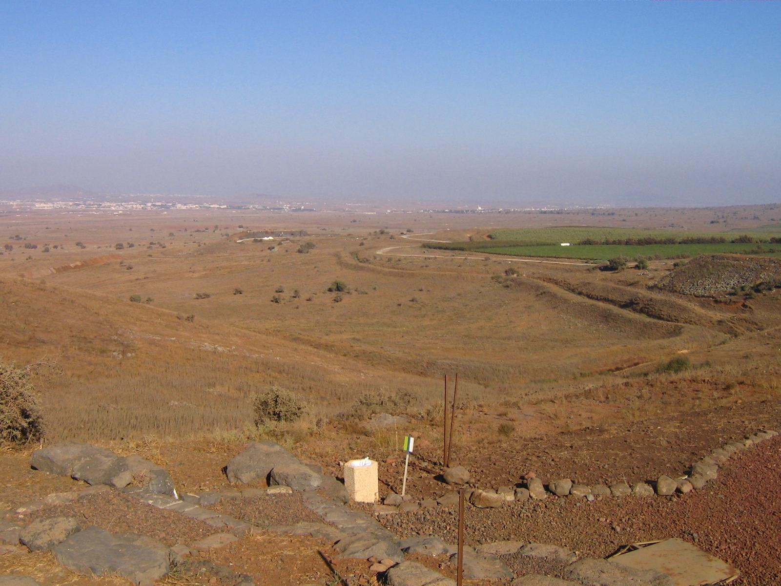 The Israeli-Syrian border in the Golan Heights. Credit: Wikimedia Commons.