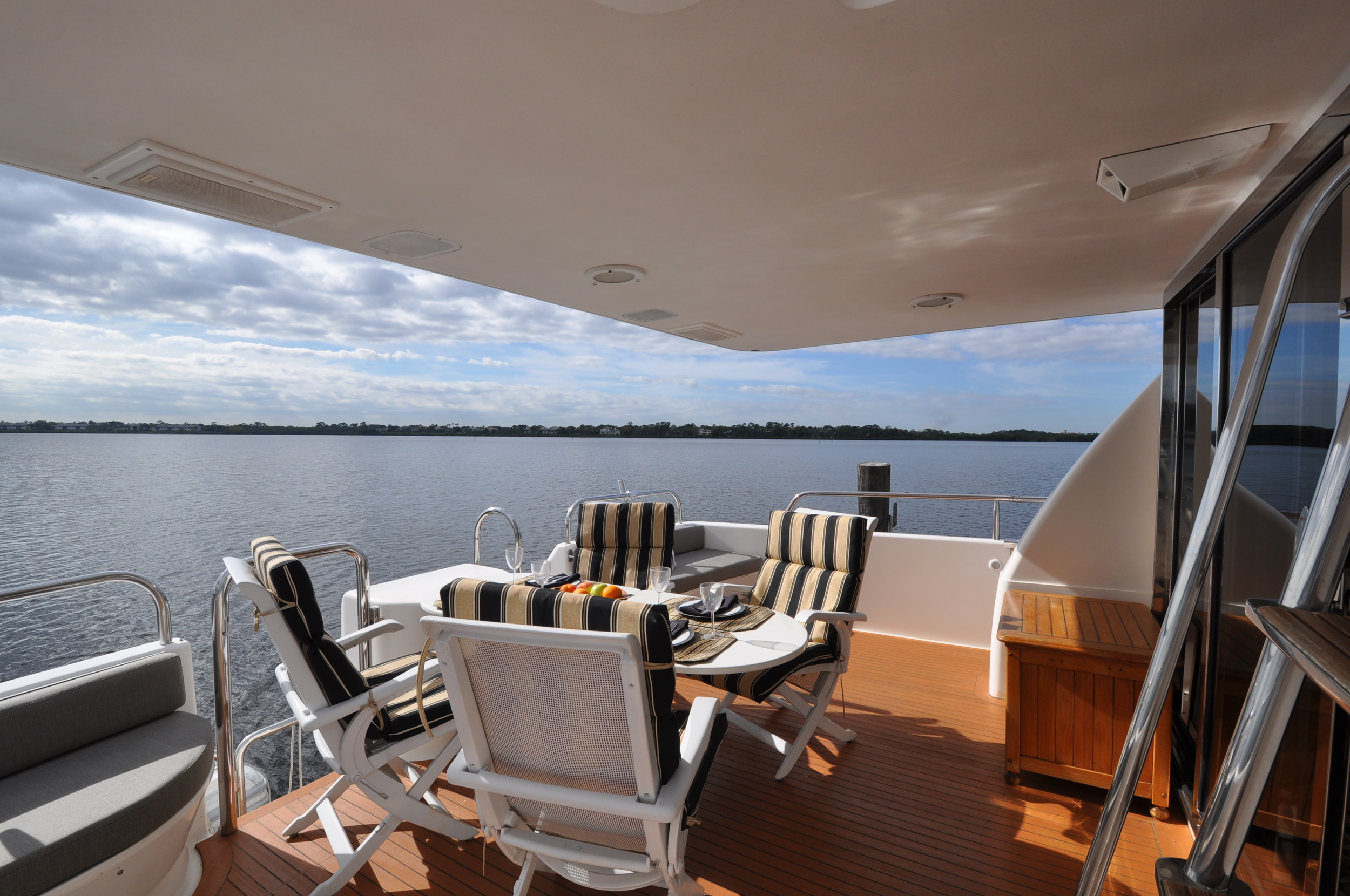 5 - Stern Deck facing aft.JPG