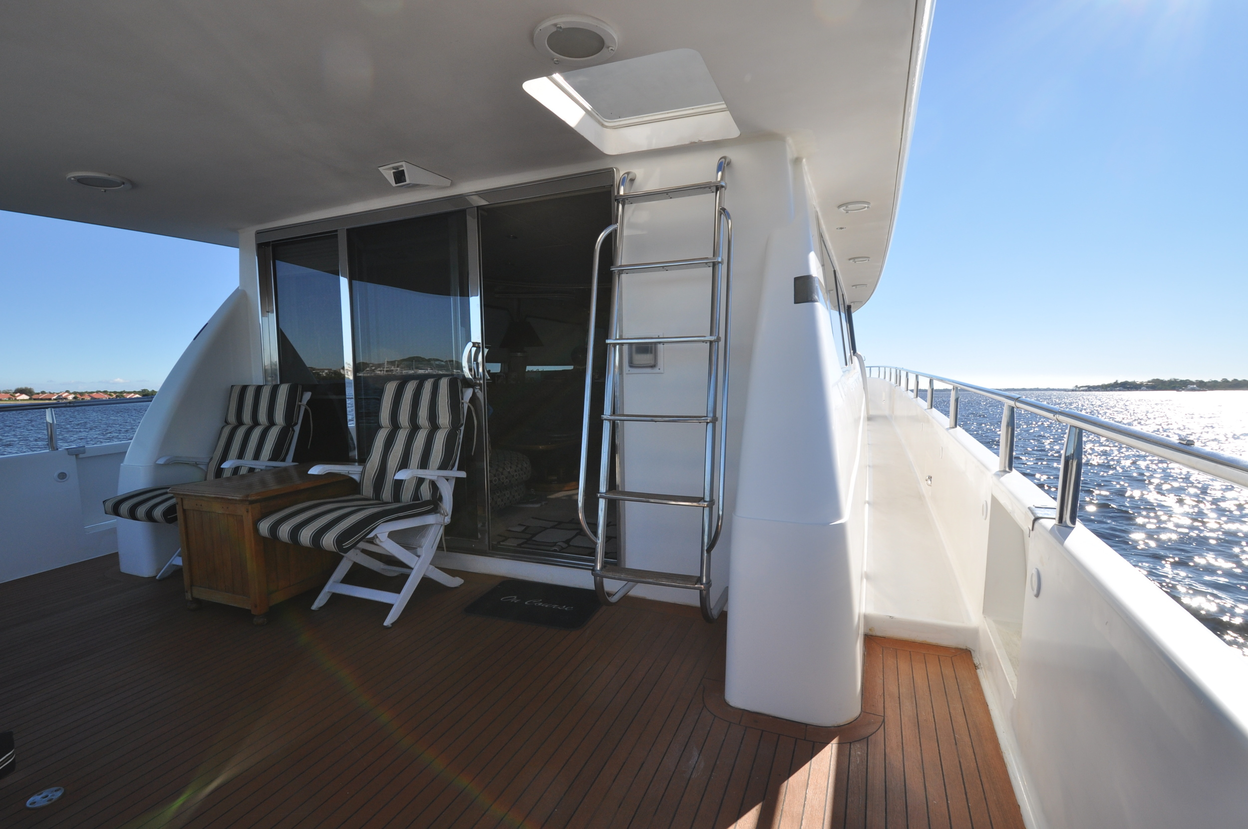 6 - Stern deck facing forward.JPG