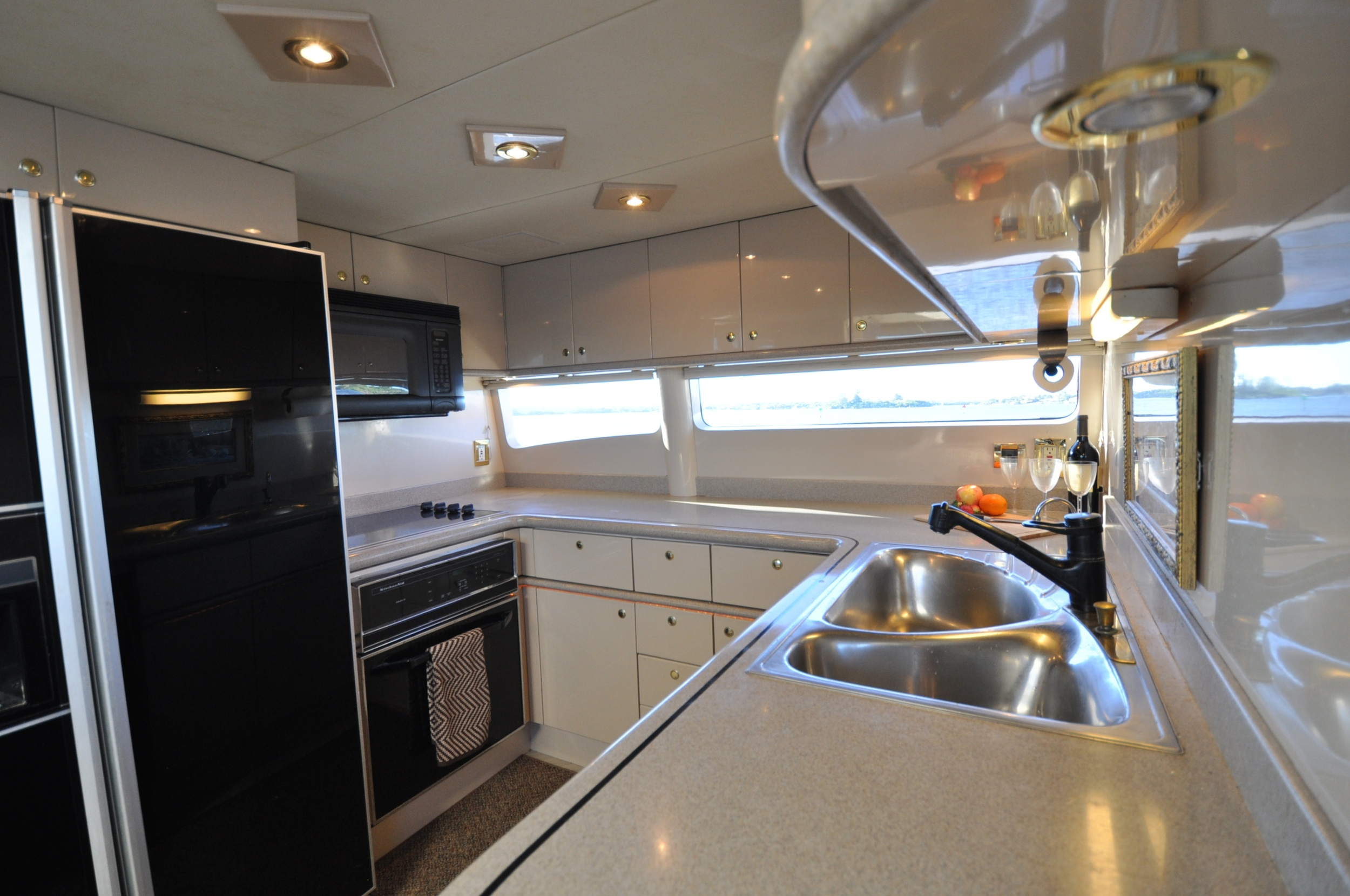 25 - Galley detail: sink counter.JPG