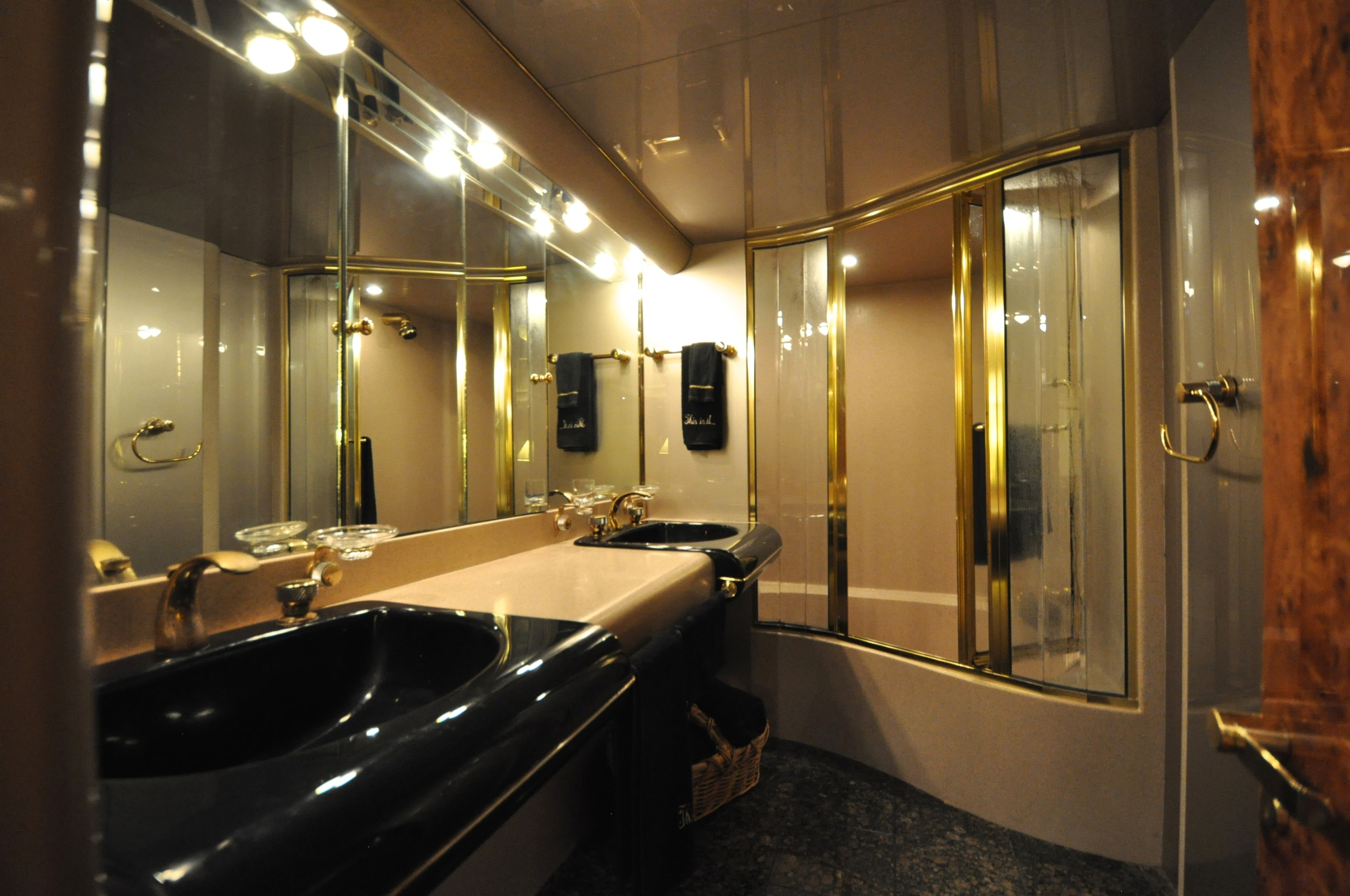 61 - Master suite bath.JPG