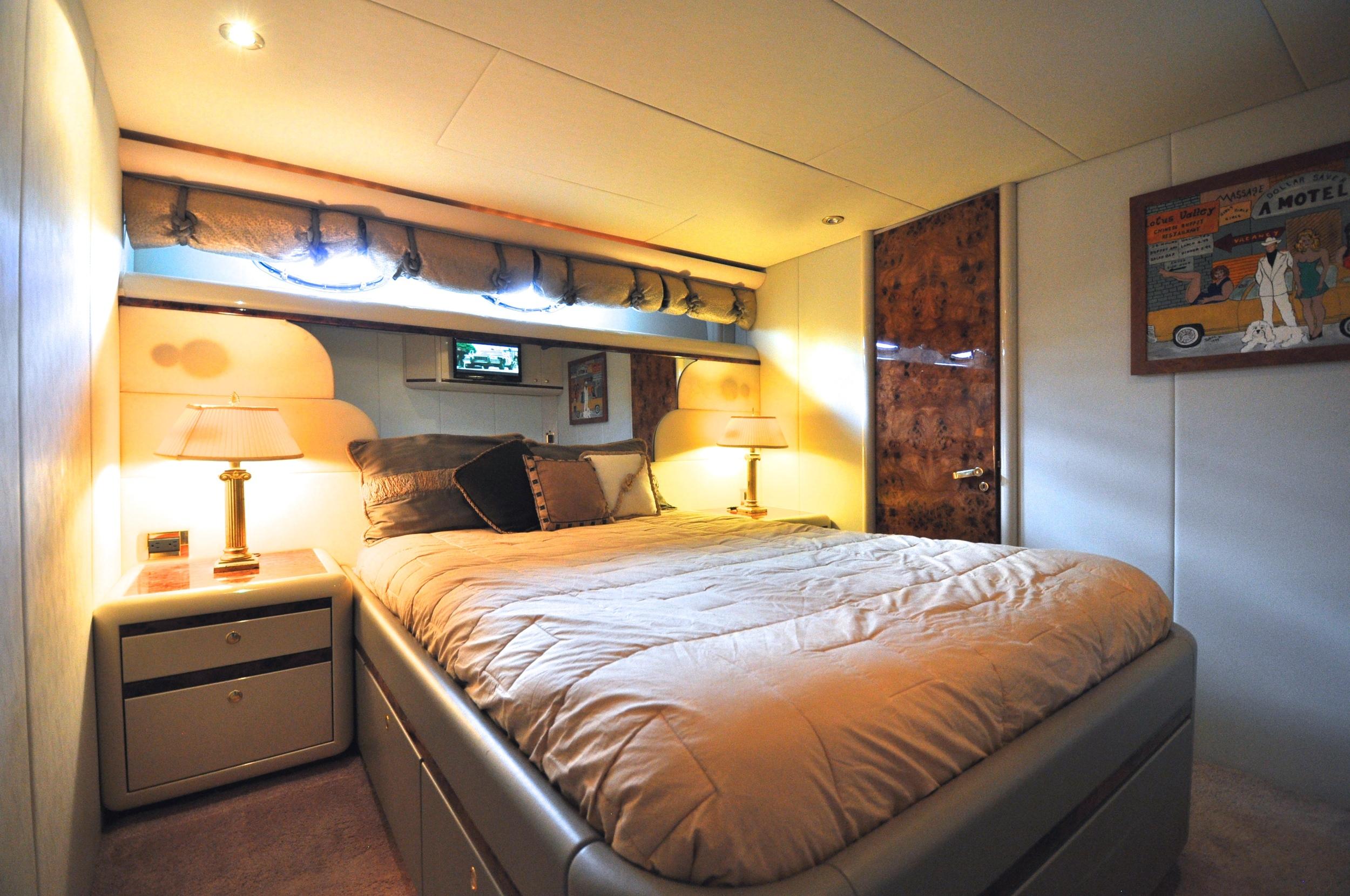 66 - VIP suite.JPG