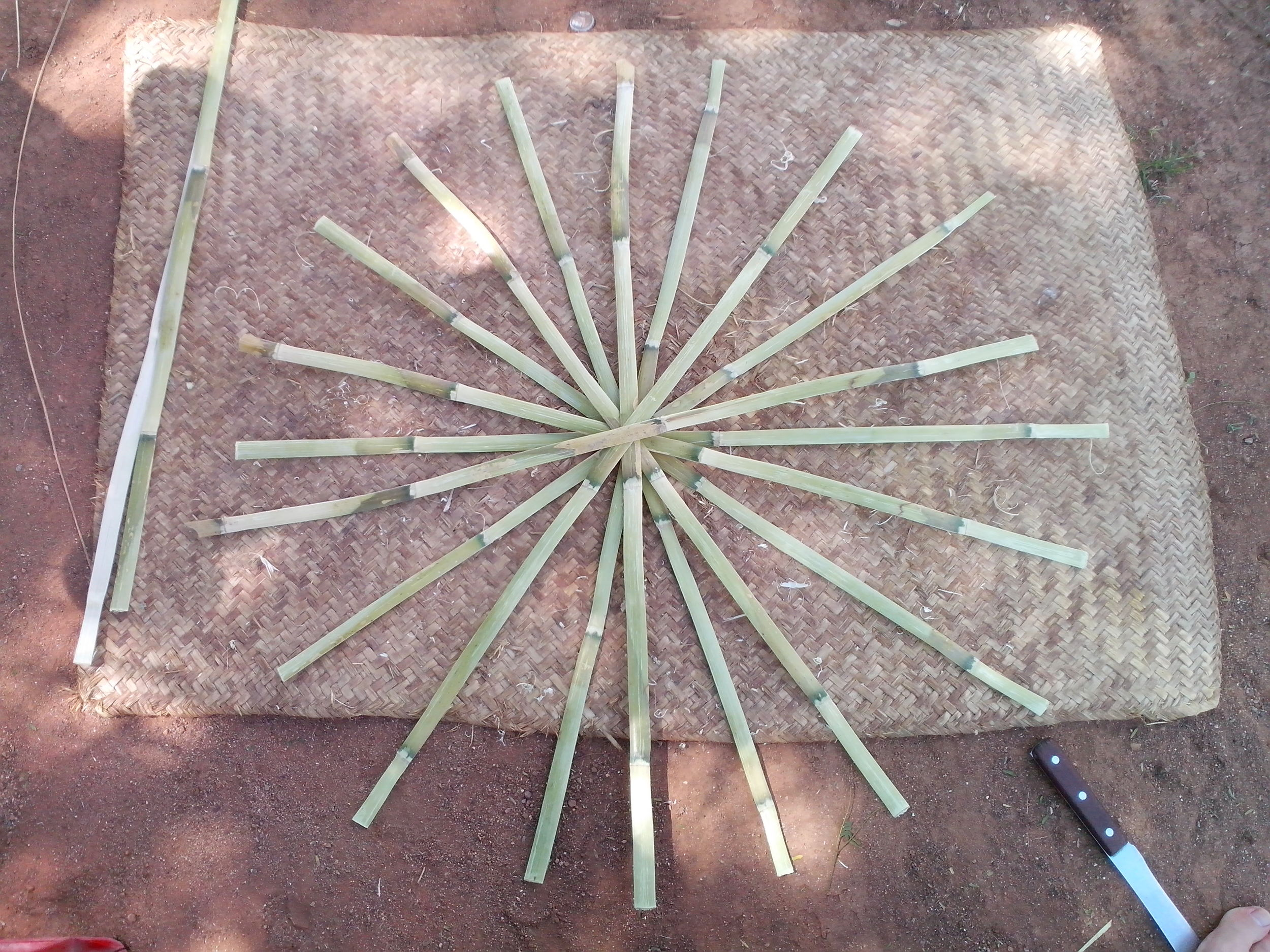 Basket base laid out