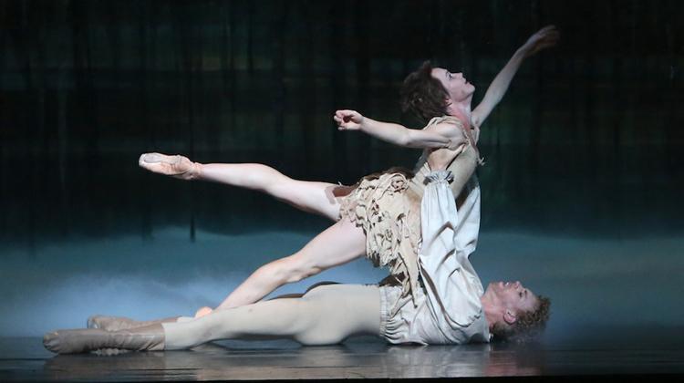 Adam Bull and Lucinda Dunn, The Australian Ballet's  Manon  (Image credit: David Kelly)