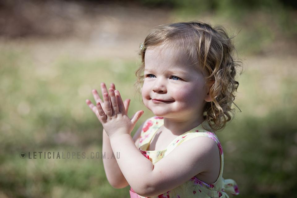 little-girl-clapping-hands.jpg