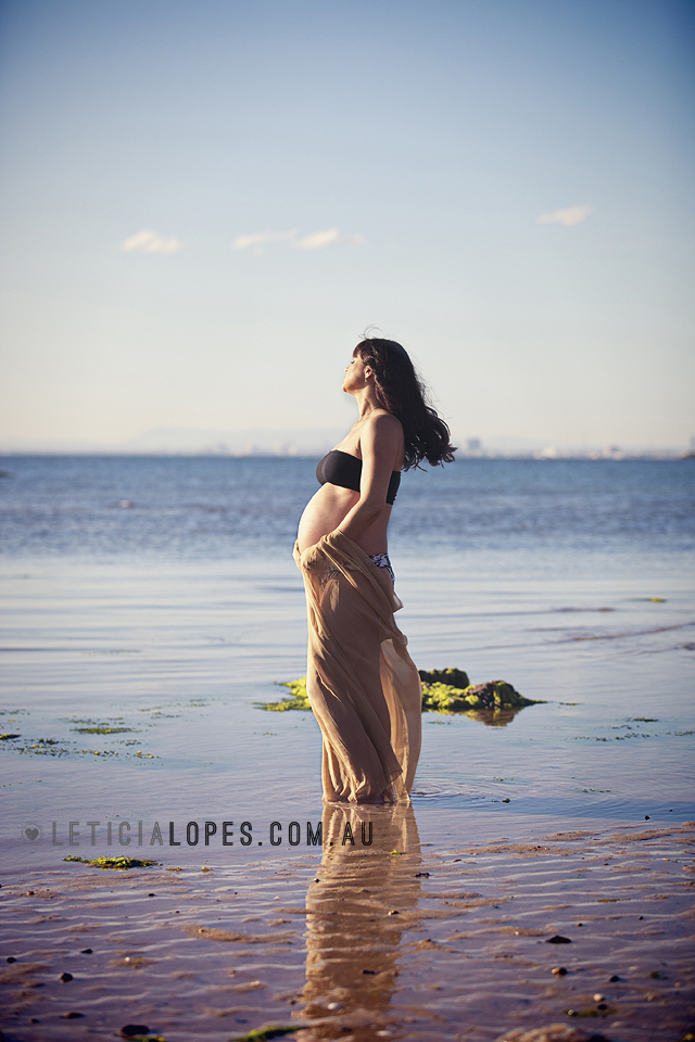 pregnancy-photography-beach-session.jpg