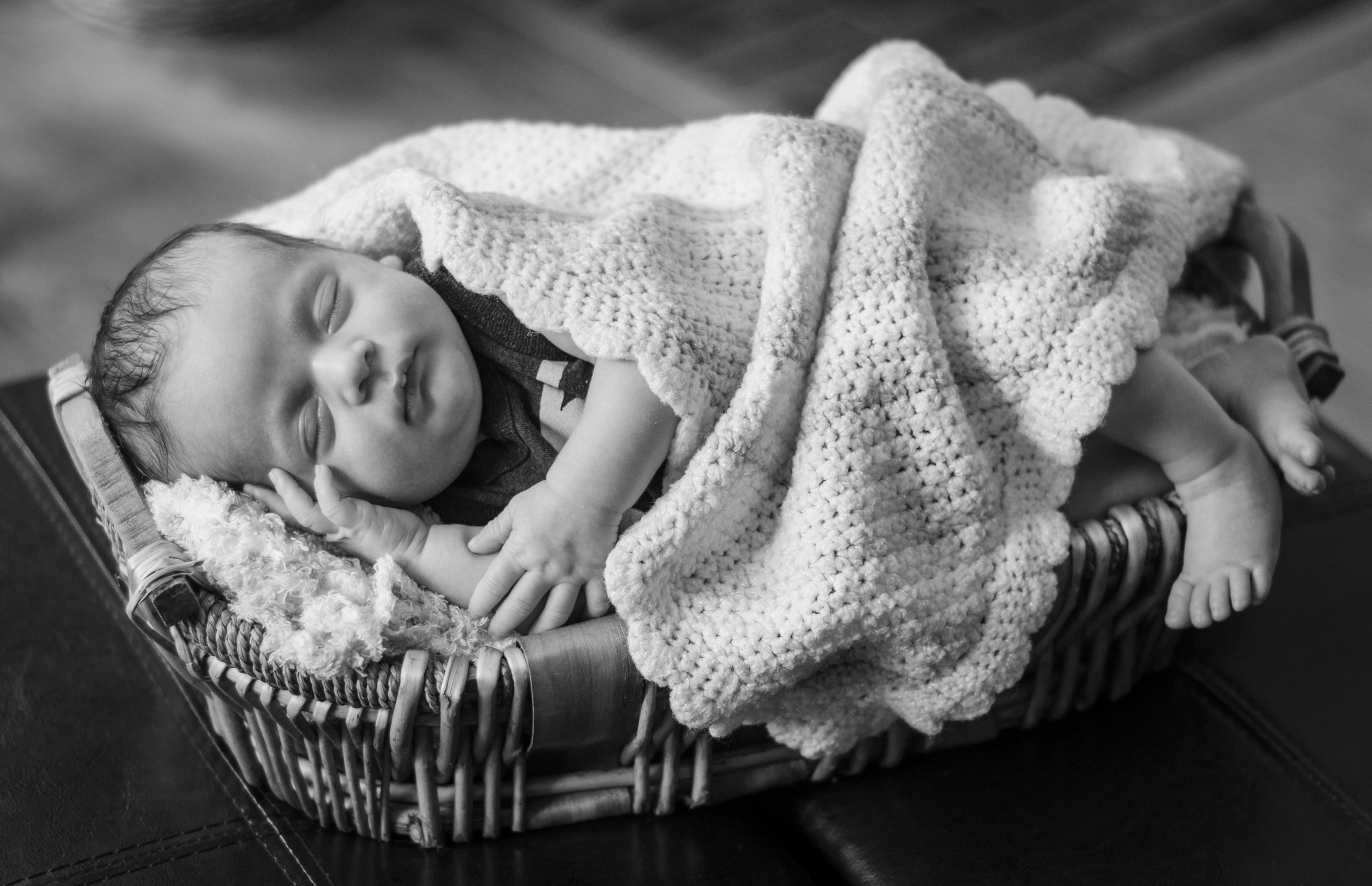 BabyGinoNewborn-202.jpg