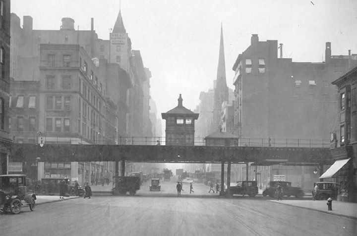 LOVE KILLING THE LAST FEW HOURS OF THE WEEK ON CURBED NY'S  CORNERSPOTTER  ARCHIVE. AMAZING OLD PHOTOS OF NYC + HOW THEY LOOK TODAY.