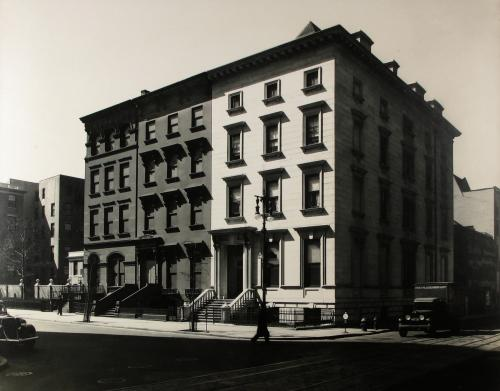 UGH, ALL OF THESE PHOTOS ARE TO DIE FOR! BERENICE ABBOTT + CHARLES MARVILLE: THE CITY IN TRANSITION NOW THRU APRIL 11 AT THE HOWARD GREENBERG GALLERY
