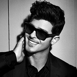 robin-thicke-tour-dj-nick-at-nite-nyc.png