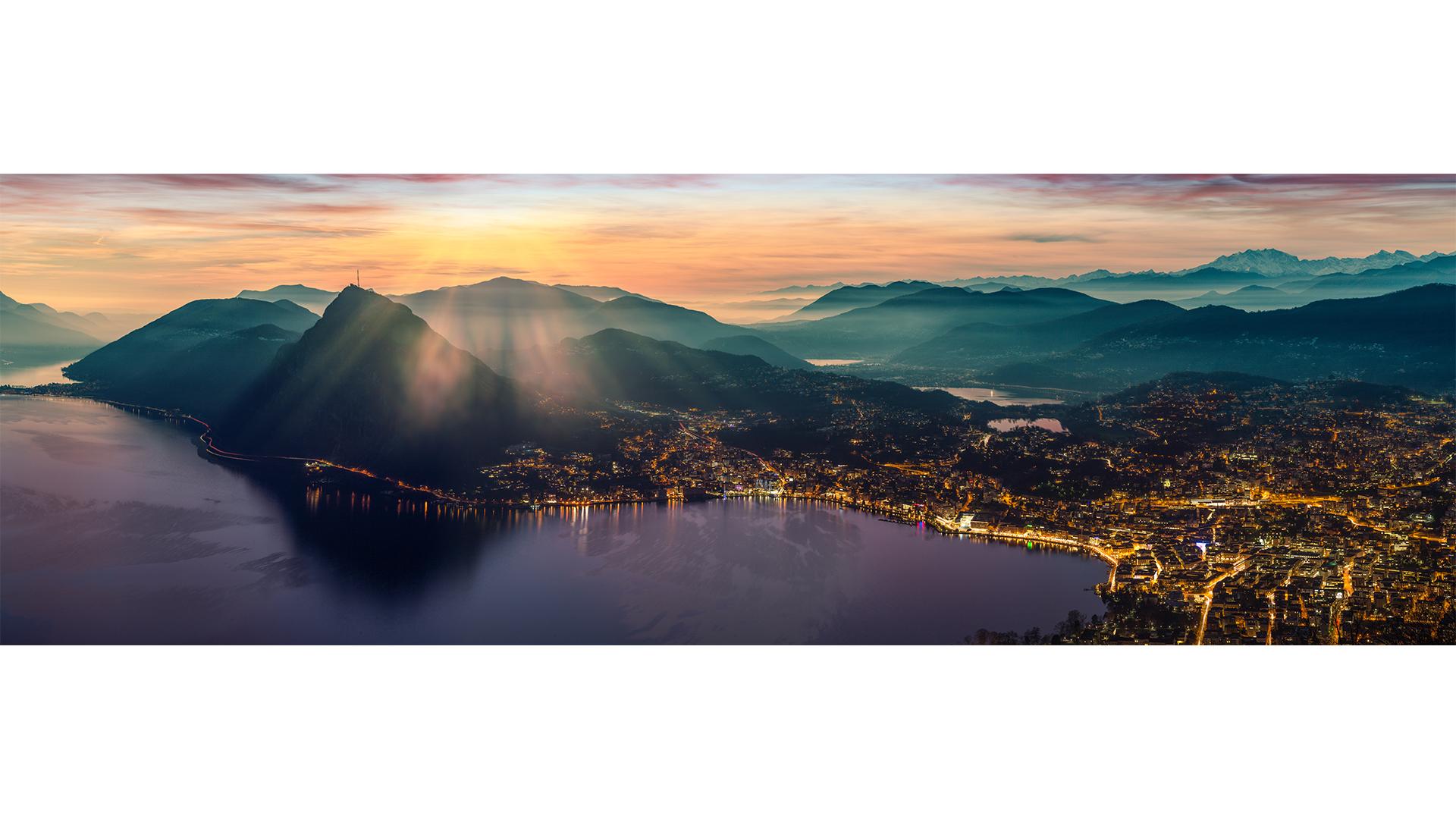 Lugano lake lights.jpg