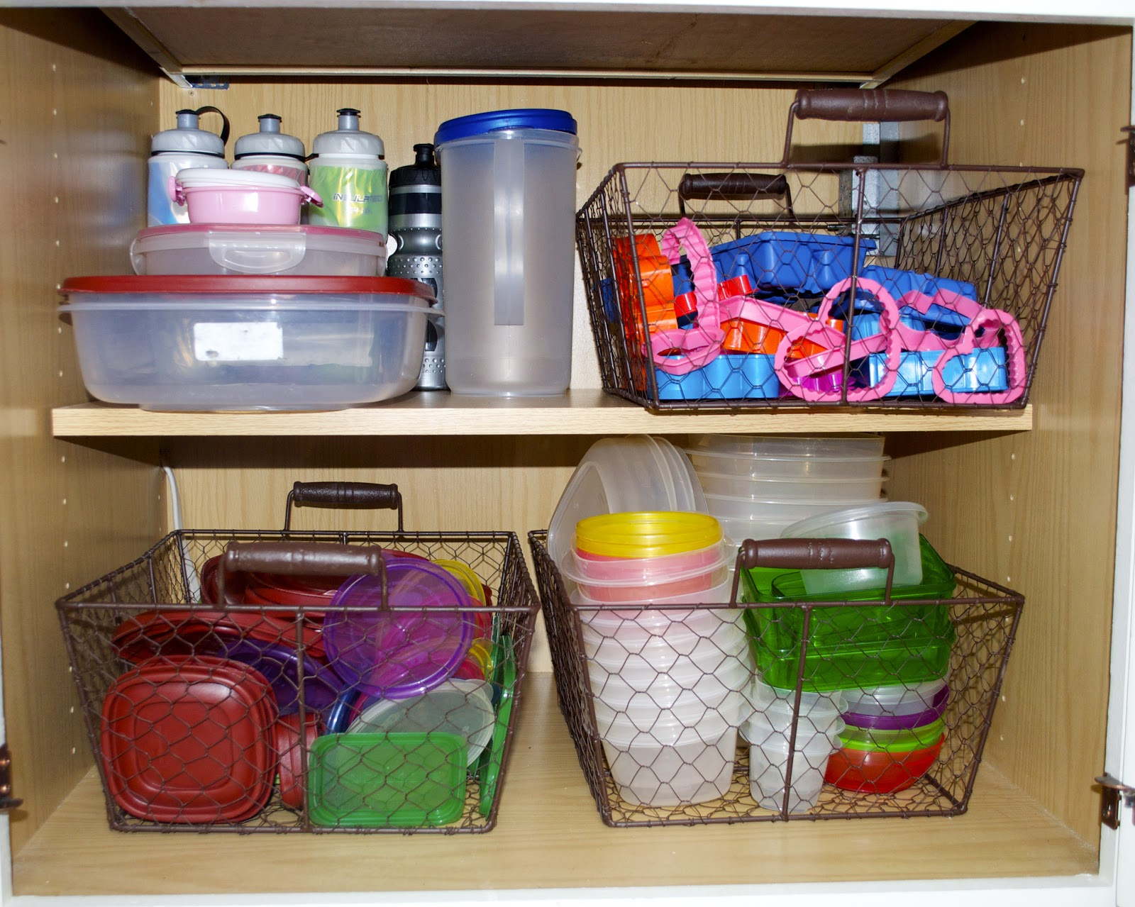 home-organization-1600x1279-adventures-in-tullyland-home-organization-tupperware-cabinet-urumix.com.jpg