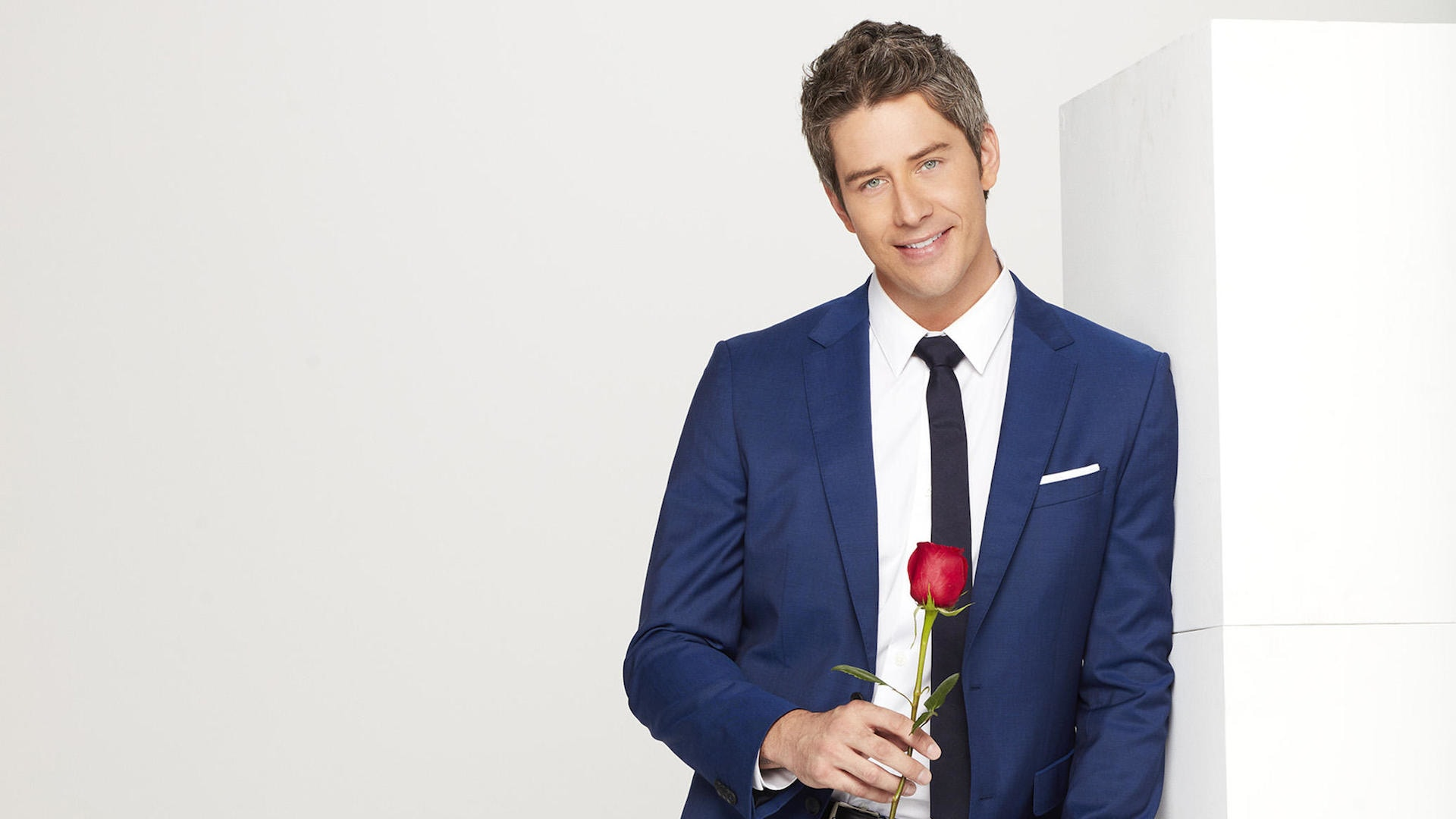 the-drama-of-bachelor-arie-luyendyk-jrs-season-has-already-begun.jpg