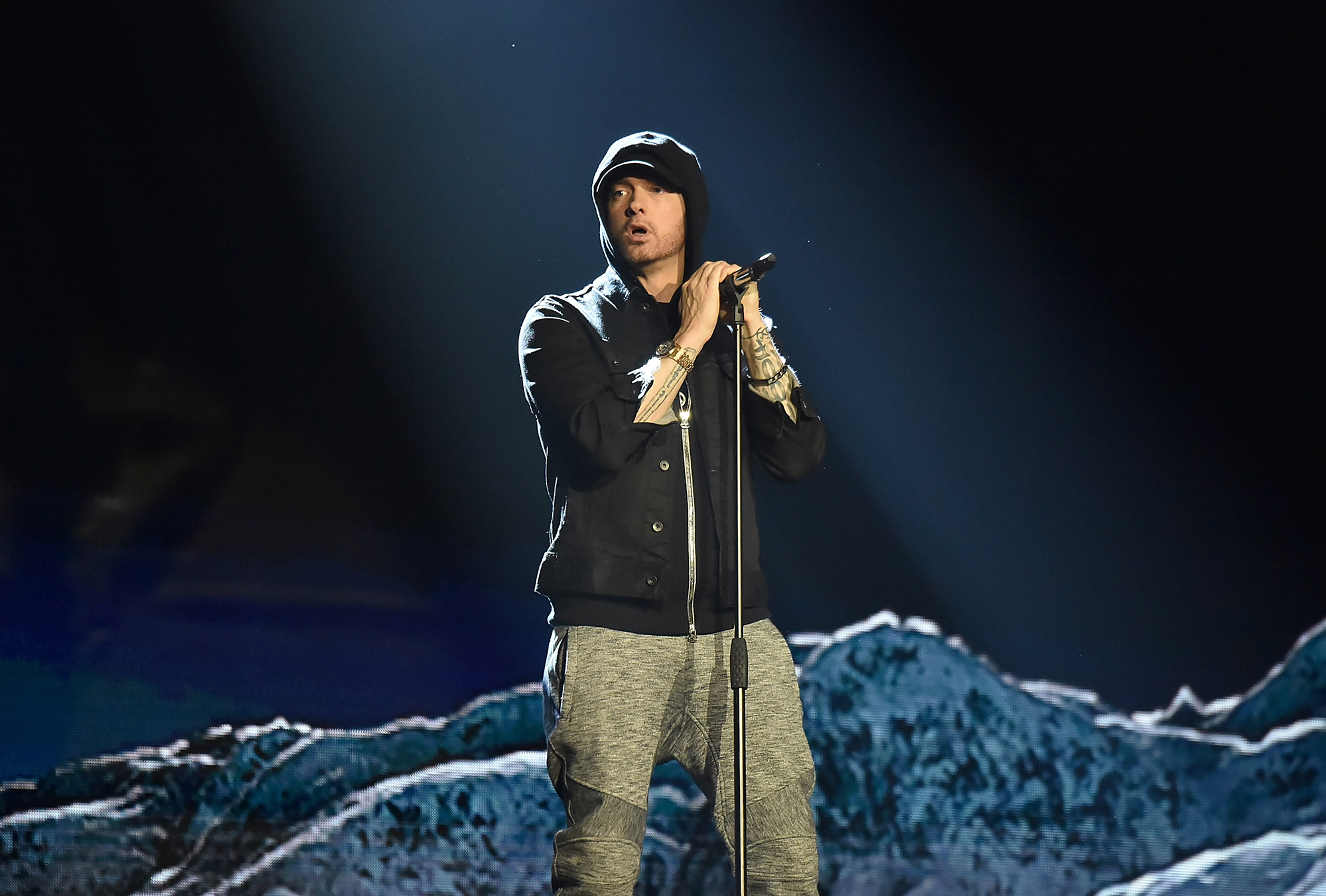 eminem-performs-venom-on-top-of-empire-state-building.jpg