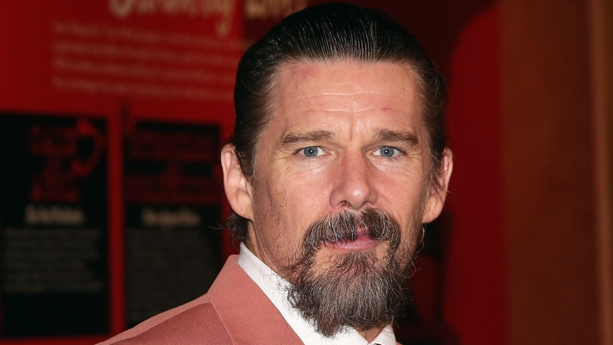 Ethan-Hawke-Doesn't-Give-His-Teenagers-Love-Advice-They-Sniff-Out-Hypocrisy.jpg
