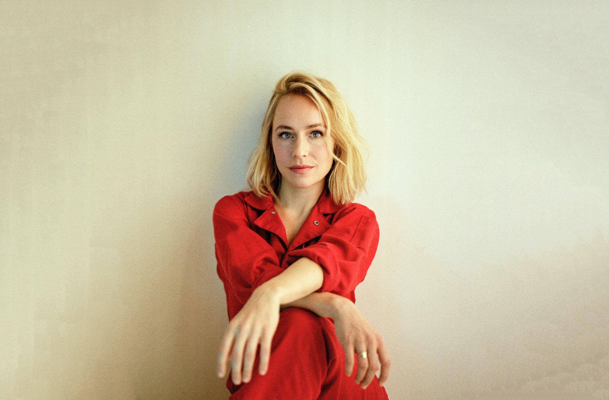 Sarah-Goldberg-barry-gq-interview-2.jpg