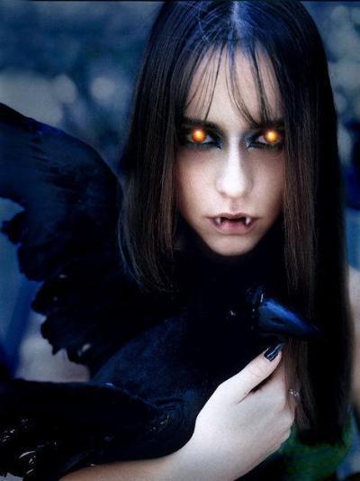 Vampire-Girl-vampires-7278356-400-534.jpg