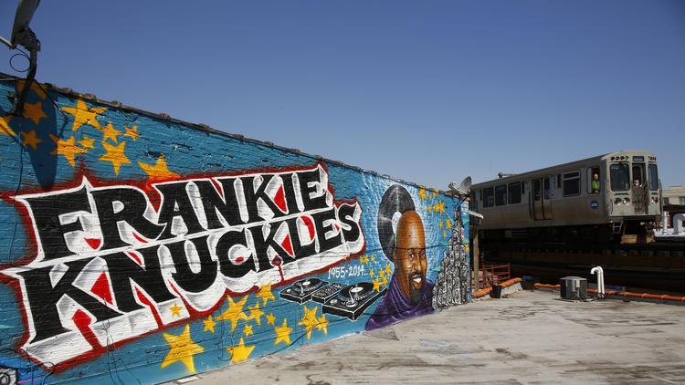 ct-frankie-knuckles-mural-20150807-001.jpg