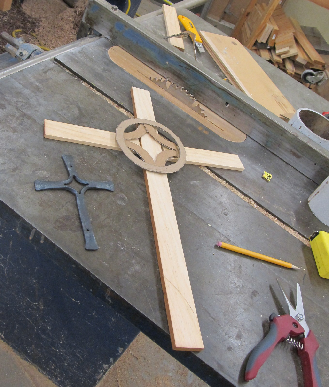 Mock up in wood and cardboard.JPG