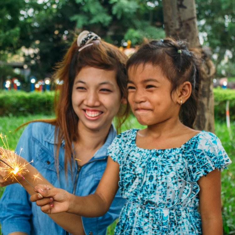 """Aa Alongsider and her """"little sister"""" in Cambodia"""