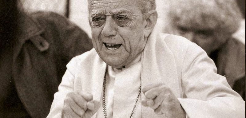 """""""When I give food to the poor, they call me a saint. When I ask why the poor have no food, they call me a communist."""" Dom Helder Camara (kickass grandpa and latin american saint)"""