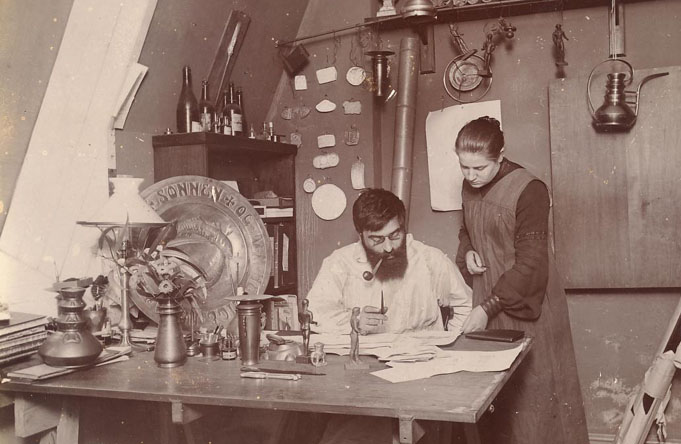 A picture of Mogens Ballin in his workshop