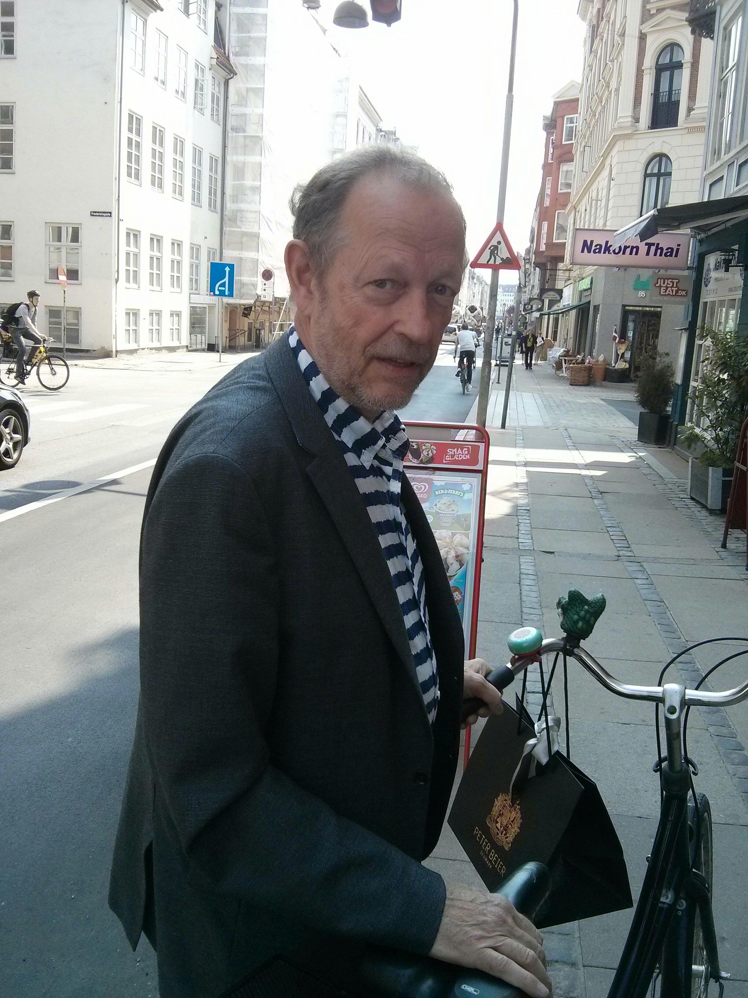 michael von essen, leaving lunch on bike as a true dane of to day.