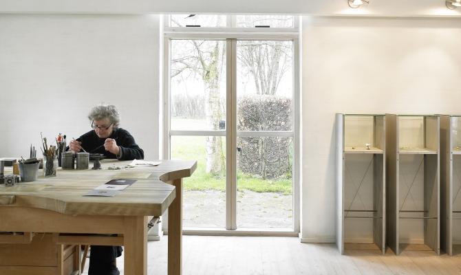 visit  anette kraen  in her  workshop