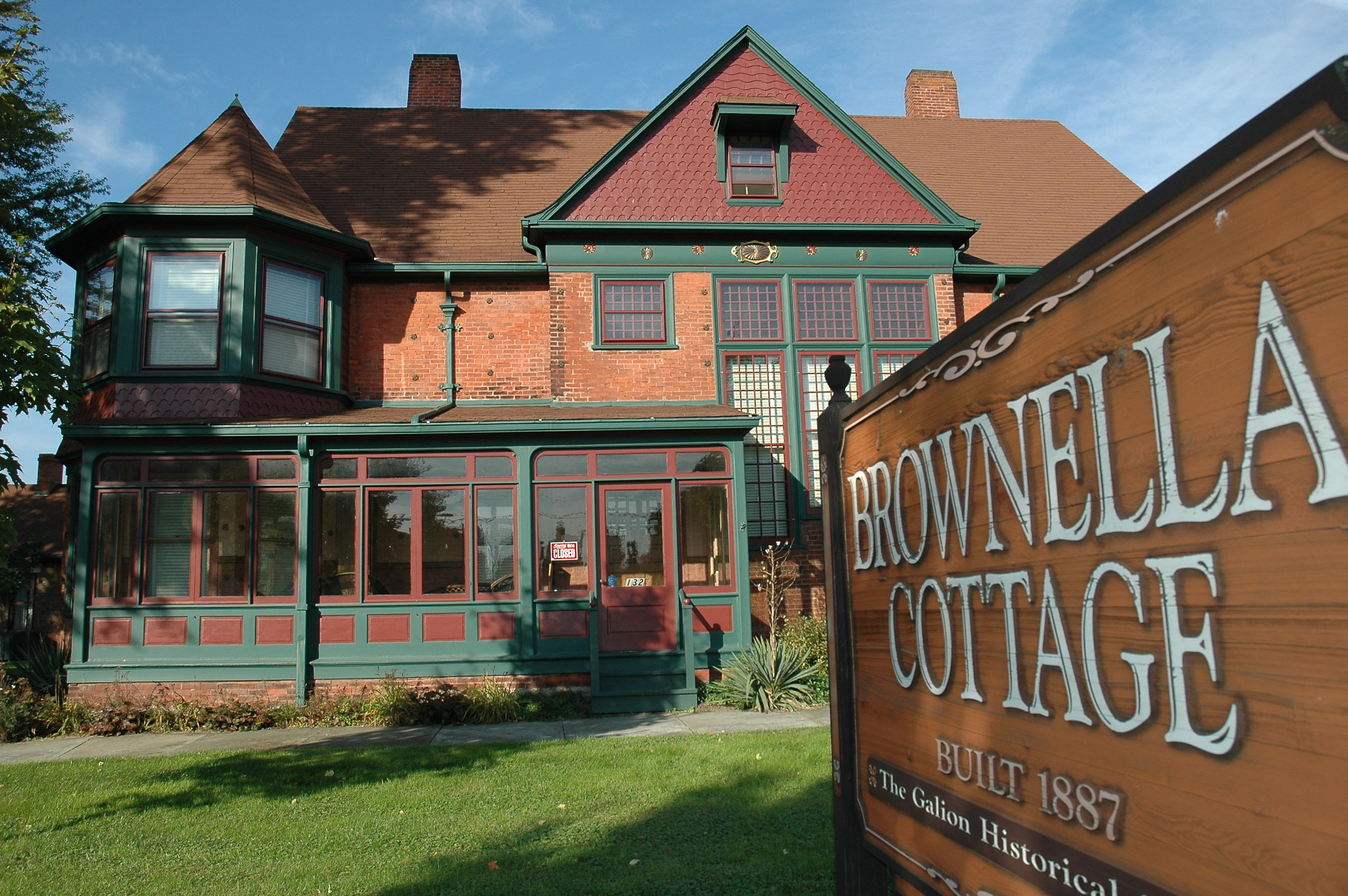 Brownella Cottage - 132 South Union StreetBuilt in 1887, Brownella Cottage was the home of Bishop William Montgomery Brown and his wife Ella. Brown was a nationally-known religious and political leader in late 19th and early 20th century America and a community benefactor. Today, it represents a rare combination of an intriguing family story and original furnishings. Owned and operated by the Galion Historical Society, the house, carriage house/museum, and Historic Grace Church are open for tours. Click here for more information.