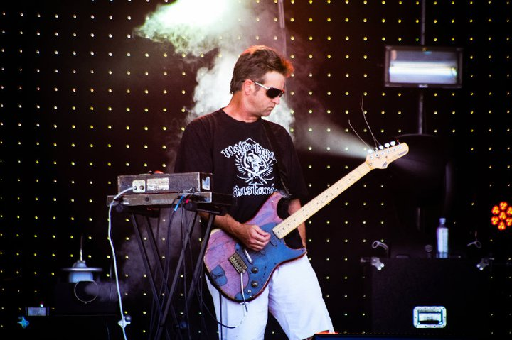 Salmonella Dub LIVE @ La De Da NYE 2010