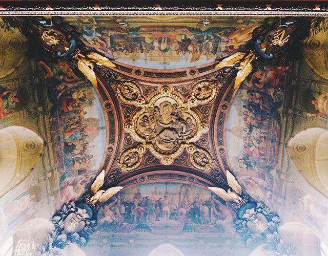 Frescos. 😍 - #vsco #summerlove  #exploreeverything #letsgosomewhere #peoplescreatives #wanderlust #createexplore #passionpassport #topdecker #topdeck #topdecktravel #goodmorningfrance🇫🇷 #louvre #louvremuseum