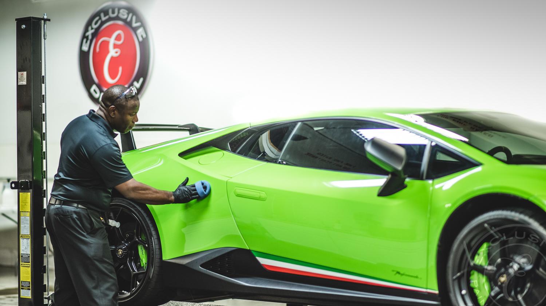 Ceramic Coating application to the rear fender of a Lamborghini Huracan Performante