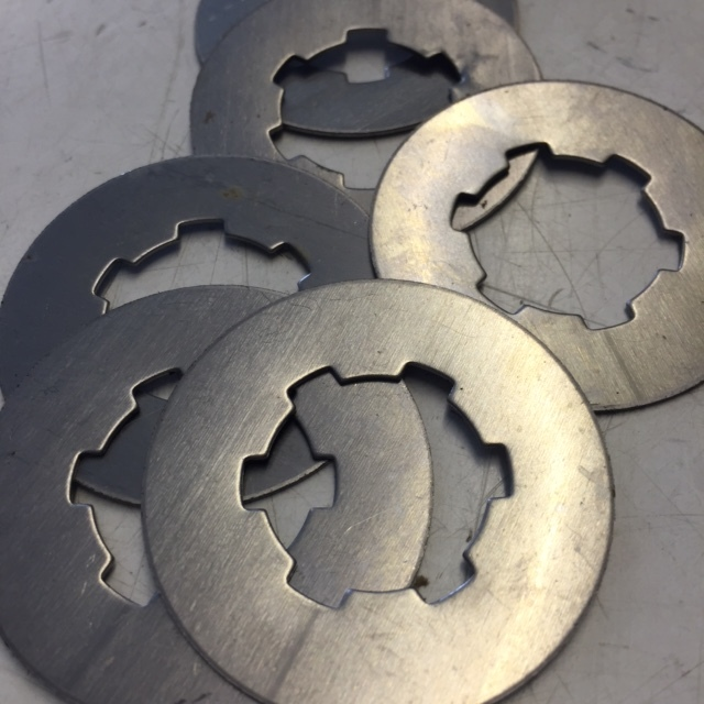 Elite clutch packing shims for precise aligning of clutch and sprockets