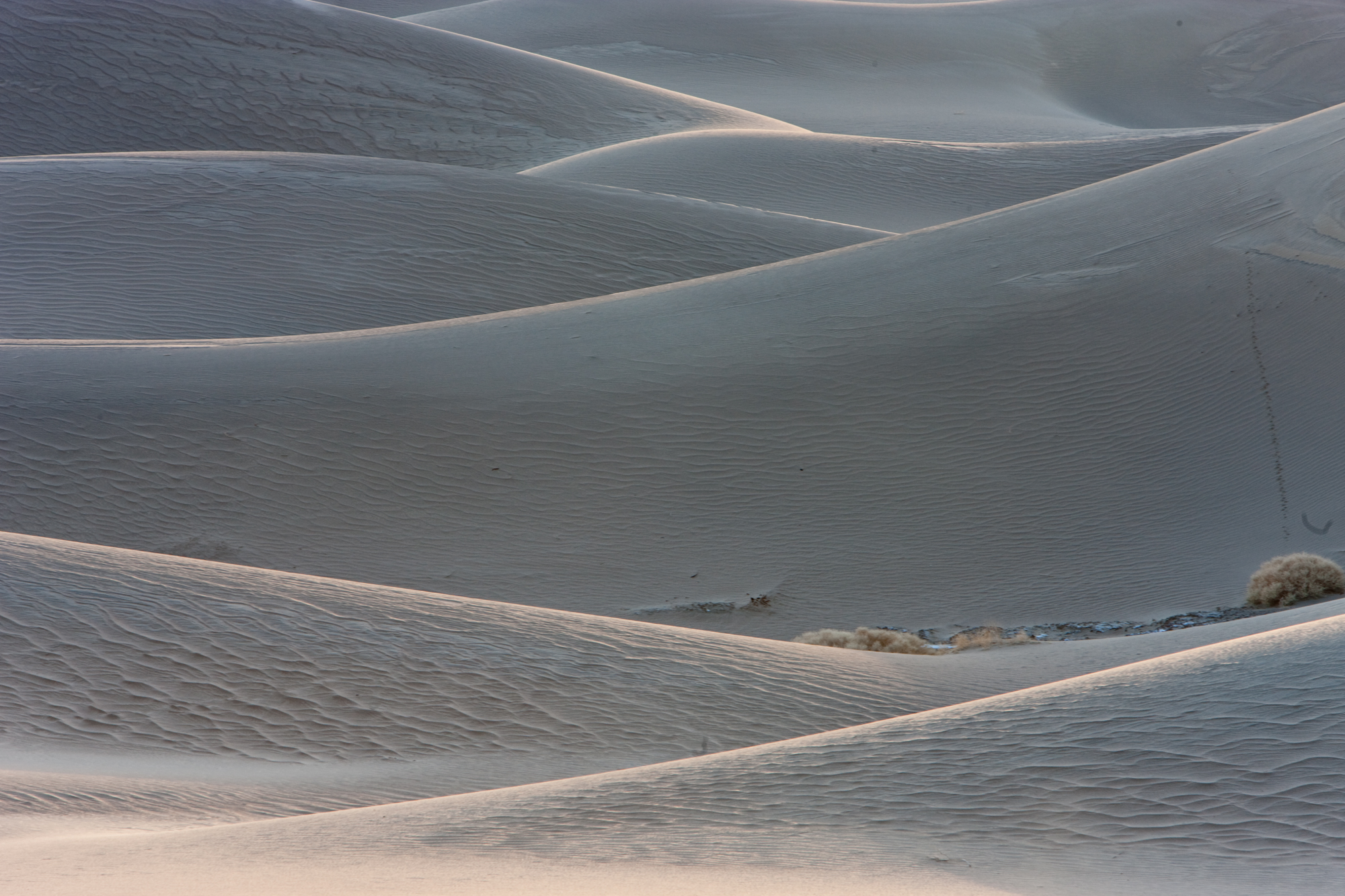 Death Valley California visit was amazing.  I am going to post many pictures in this.  I have 3000 images to sort thru.  So I am starting with what I think is one of the best.