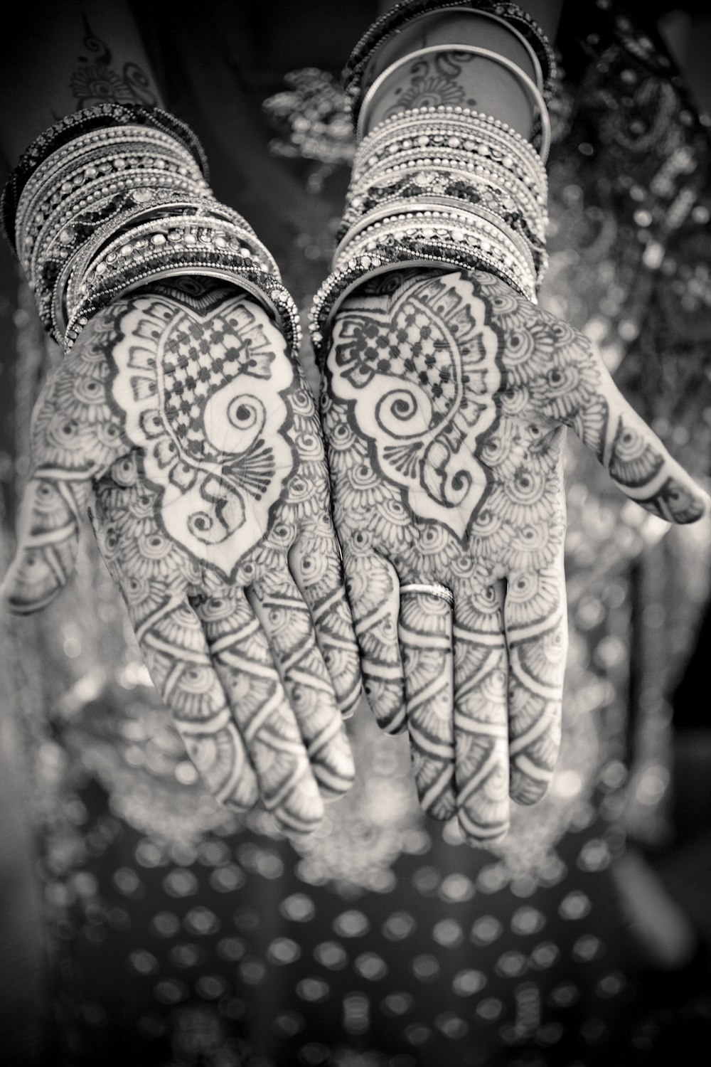 Indianapolis-Indiana-Wedding-Photographer-Crowes-Eye-Photography-Indian-henna.jpg