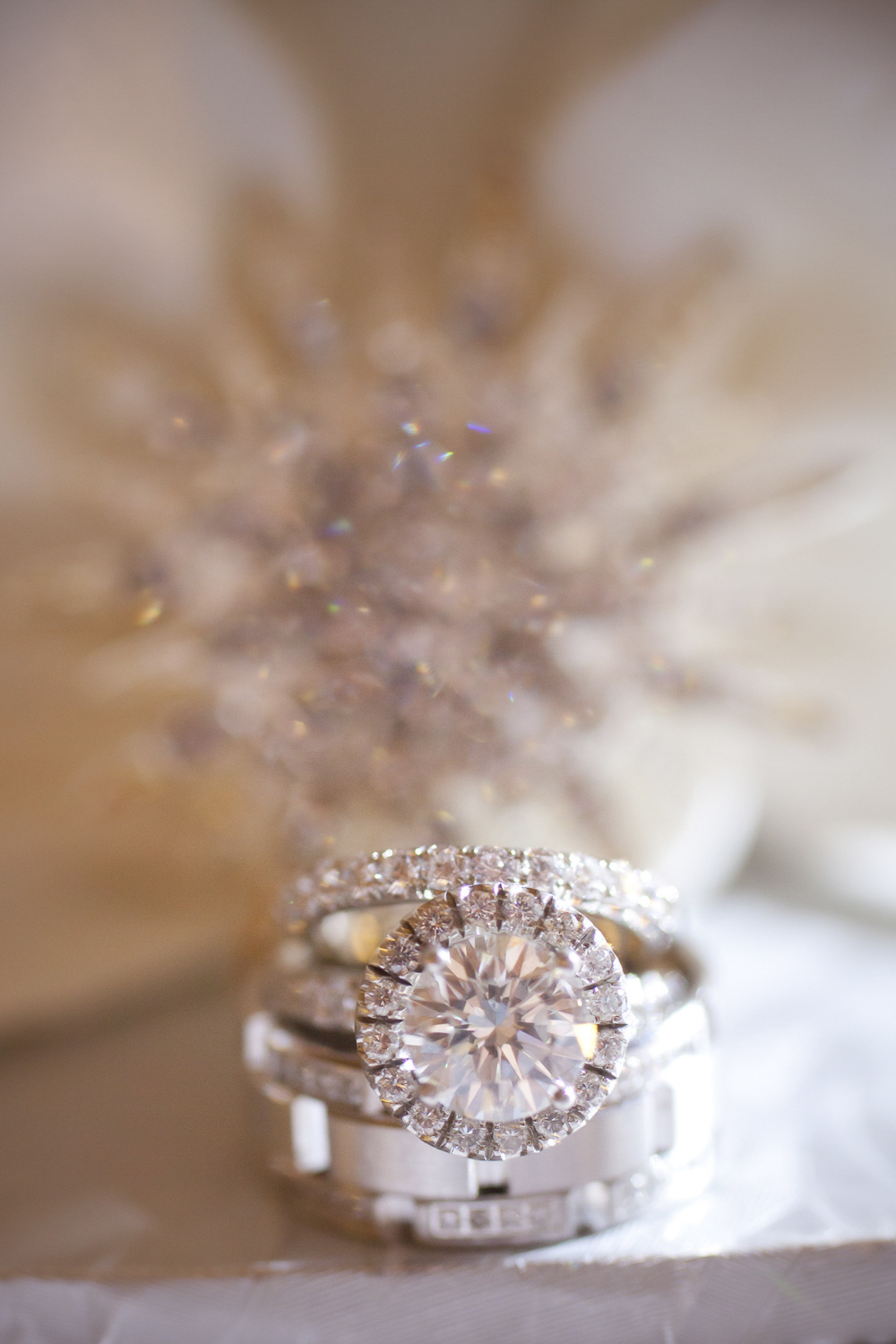 Indianapolis-Indiana-Wedding-Photographer-Crowes-Eye-Photography-Bright-Diamond-Ring.jpg