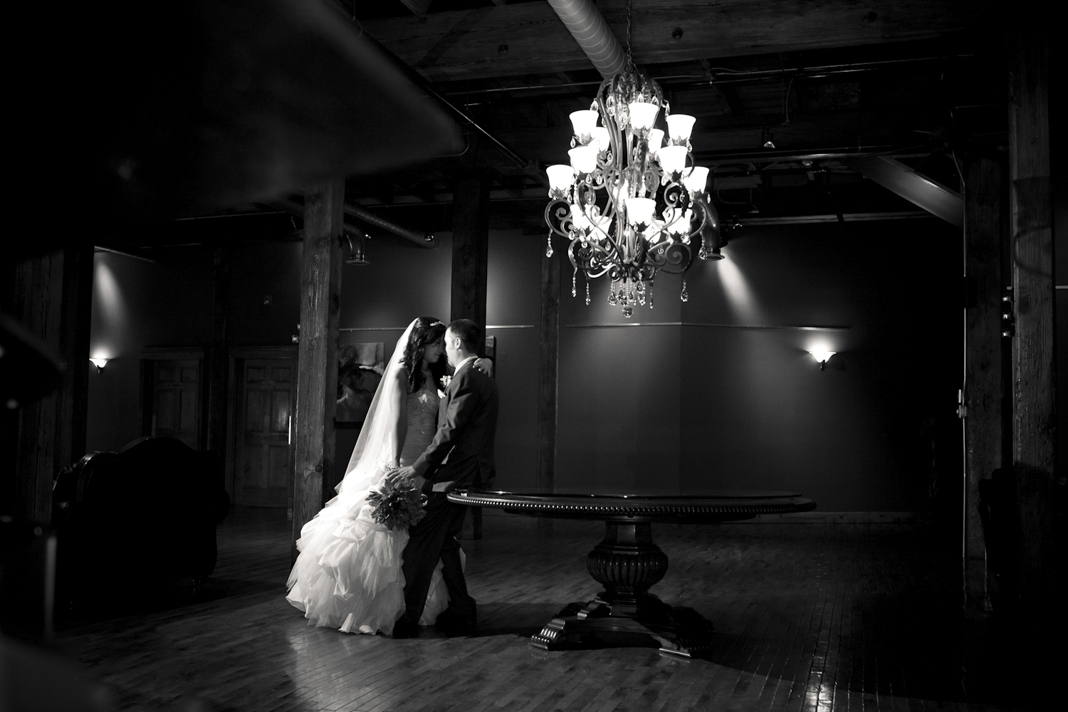 Indianapolis-Indiana-Maveris-Wedding-Photographer-Crowes-Eye-Photography-Bride-and-Groom-Moment.jpg