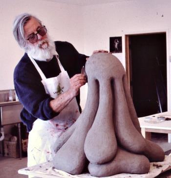 Caption-Ken-Price-in-the-studio-Taos-2004.jpg