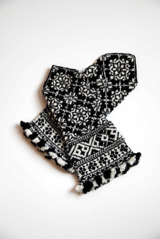 Latvian mittens, designed by Liz Upitis, knit by me