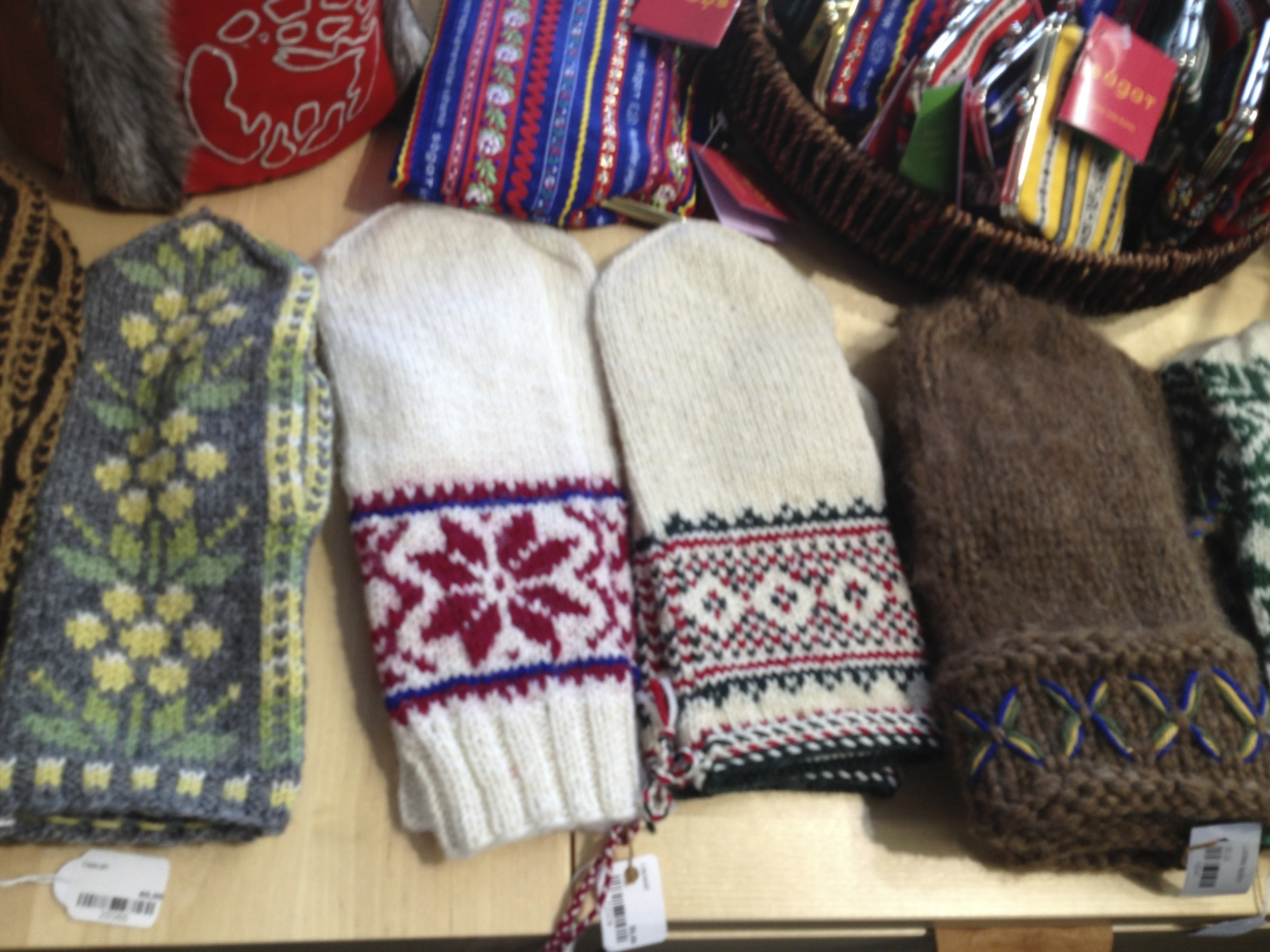 Finnish mittens, River Sámi mittens, Inari mittens, and Swedish Lovikka mittens
