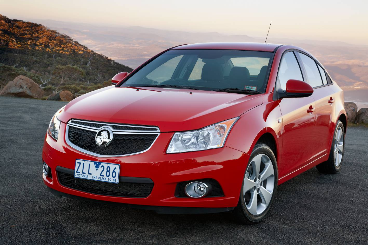 Holden Cruze - one of the worst cars on Australian roads. DON'T BUY!