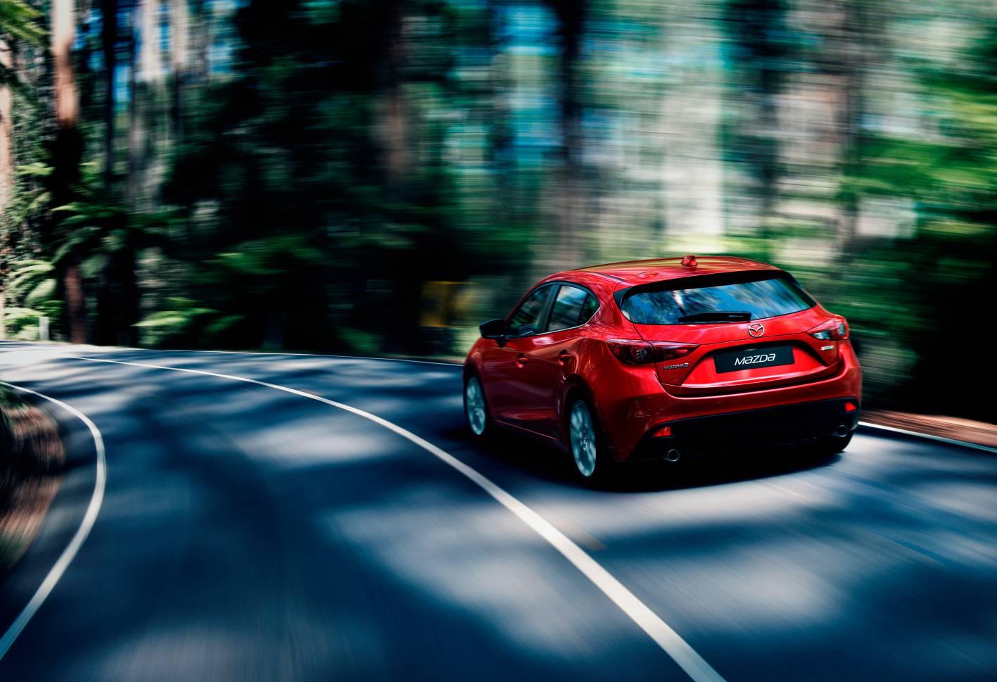 2014 Mazda3 Astina 3.jpg