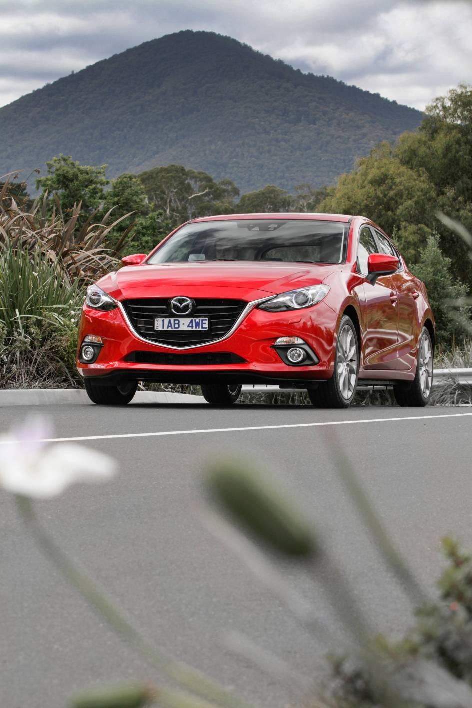 2014 Mazda3 Astina 17.jpg