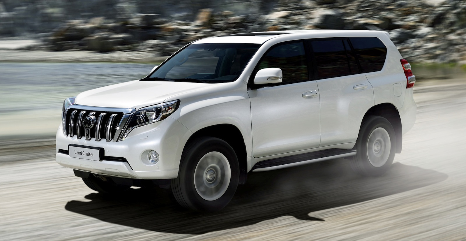 Should I Buy the Mitsubishi Pajero or Toyota Prado? — Auto