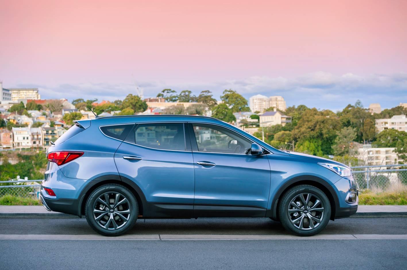 Hyundai Santa Fe 3.jpg
