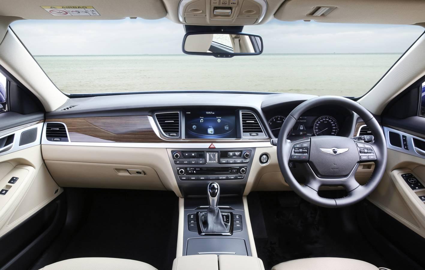 Hyundai Genesis Ultimate 2.jpg