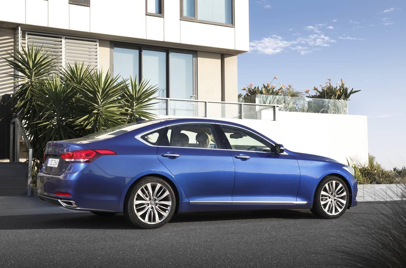 Hyundai Genesis 10.jpg